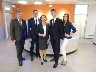 Engelbert Krasser und das Team der Hypo Bank Leibnitz.