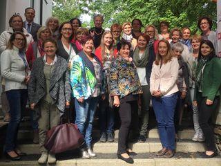 Die 25 Teilnehmerinnen des Bezirksausflugs.