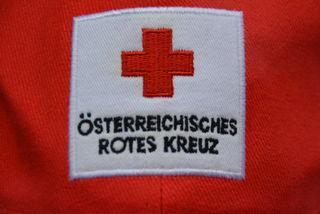 Der Arbeiter wurde nach der Erstversorgung vor Ort mit dem Rettungswagen in das Krankenhaus Tamsweg gebracht. SYMBOLBILD