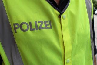 Bombendrohung gegen die Billa-Filiale in der 10.-Oktober-Straße in Klagenfurt: Die Einsatzkräfte haben das Gebiet großräumig abgesperrt und durchsuchen das Gebäude