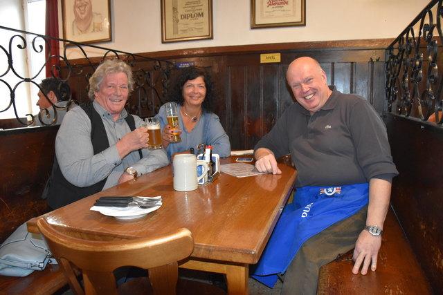 Vom Pumpe zum Traualtar: Vor 37 Jahren haben sich Monika und Erwin Trampitsch an genau diesem Tisch im Pumpe kennengelernt – und sind heute noch immer glücklich verheiratet
