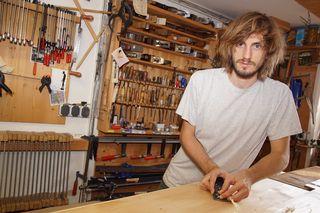 Kaspar Pühringer kann als Cembalobauer sowohl seine Leidenschaft  zum Holz und als auch zur Musik ausleben. Der Beruf ist sehr abwechslungsreich.