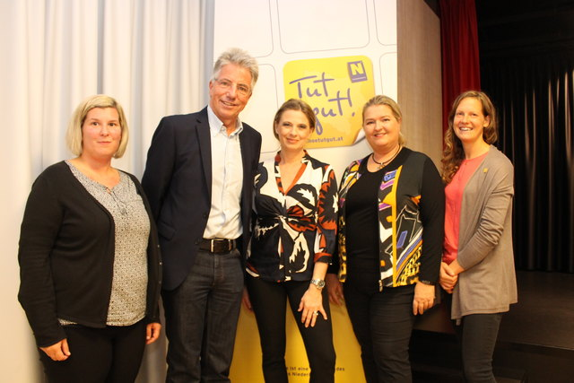 Christa Kummer (M.) zu Gast im kultur.portal in Scheibbs.