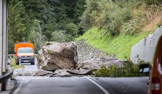 Die Sicherungs- und Schutzarbeiten an der Defereggenstraße führen zu teilweisen Straßensperren