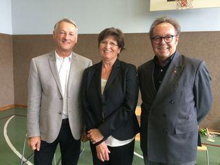 Silvana Richter mit Bürgermeister Heinz Krammer (rechts) und Amtmann Ernst Friedl.
