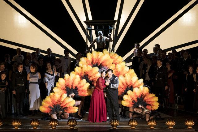Nora Sourouzian (Azucena), Stefano Secco (Manrico), Chor der Oper Graz