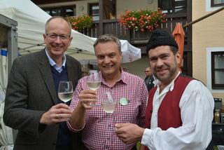 Bgm Manfred Sampl mit Peter Steinwidder und Fest-Organisator Martin Händler.