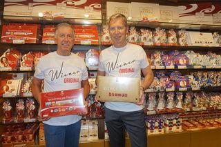 Andreas und Walter Heindl in ihrem Shop in der Kärntner Straße 7.