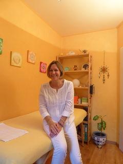 Erika Klann kann bei vielerlei Beschwerden helfen, ob körperliche oder psychische Symptome.