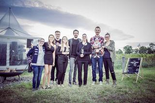Natascha Berger, Theres Pasler, Christoph Krikler, Jana Schmidt, F. Mainx, Monika Streit, Raffael Pinnisch mit Felix und Andrea König.