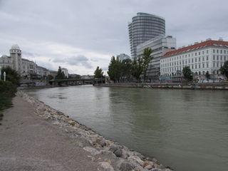 24.09.2017 das Donaukanalpanorama mit Urania und UNIQA Tower