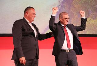 Bundesminister Hans Peter Doskuzil und SPÖ Landesparteivorsitzender Walter Steidl bei seiner Rede
