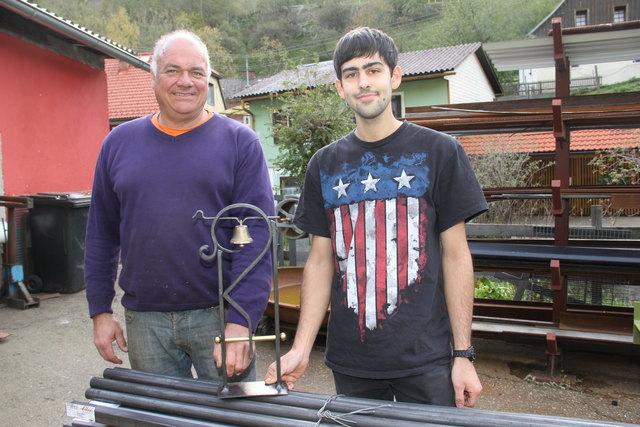 Zurecht stolz ist Heribert Wolfgang Wieland auf Stefan Goldschmied, den besten Metalltechnik-Lehrling Österreichs.