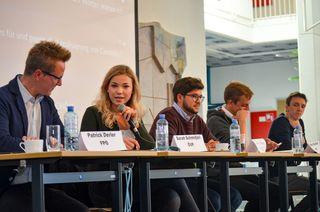 Die Vertreter der im Nationalrat vertretenen Parteien diskutierten vor den Schülern des BORG Birkfeld.