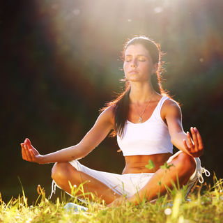 Yoga entspannt und belebt zugleich.
