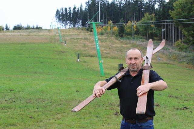 Andreas Hennerbichler kann den Start der Wintersaison kaum mehr erwarten. Im Vorjahr verzeichnete die Wintersportarena Liebenau dank des einmaligen Winters stolze 104 Skitage.