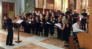 """Der Domchor begeisterte in der """"Basilica di Sant Apollinare"""" und singt das Konzert nun im Innsbrucker Dom."""