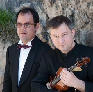 Takeshi Kakahashi (Klavier) und Wolfgang David (Geige)