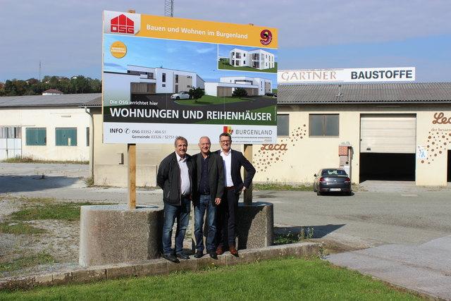 Bürgermeister Wolfgang Sodl, Planer Günther Peischl und OSG-Obmann Alfred Kollar besichtigten das Grundstück.