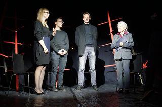 Auf der Bühne: Julia Gschnitzer, Joseph Holzknecht, Simon Jetzinger und Magdalena Zorn (v.r.n.l.)