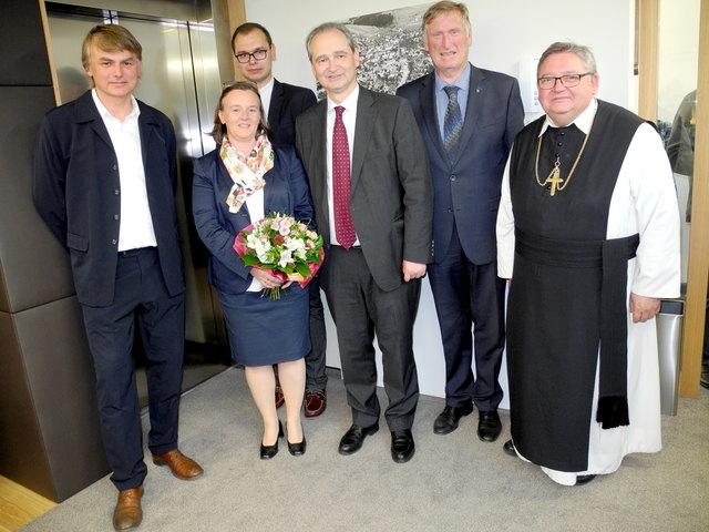 Das neue Notariatsgebäude von Mag. Johannes Kienast (Mitte) verdient Ehre und den Segen Gottes.