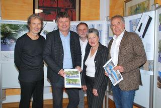 Beny Meier, Gerhard Pirih, Martin Klingler, Sonja Gasparin und Franz Eder stellten das Siegerprojekt des Architekturwettbewerbs vor