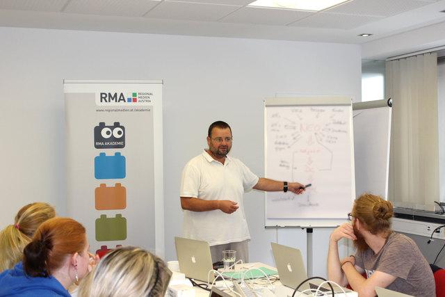 Die RMA Akademie ermöglicht den Mitarbeitern der RMA Aus- und Weiterbildung in zahlreichen Themen- und Entwicklungsfeldern. Jährlich wird ein Seminarprogramm erstellt, das sowohl für neue als auch für langjährige Mitarbeiter persönliche und berufliche Weiterentwicklung anbietet.