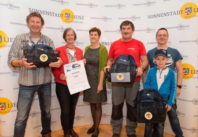 Klaus Lassnig, Margit Brugger, Umweltausschuss-Obfrau Gerlinde Kieberl, Michael Faitelli und Christian Glantschnig mit Sohn Simon.