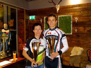 Helene Minarski und Martin Peinelt holten sich beim Bergzeitfahren die Titel.