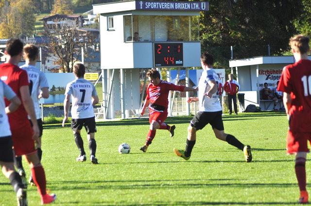 Die Optik täuscht: Fritzens (rot) wurde von Brixen 1 mit 6:2 abgefertigt (Landesliga Ost).