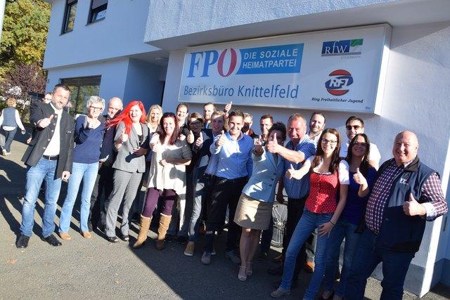 Die FPÖ ist in Knittelfeld in Feierlaune. Foto: Verderber