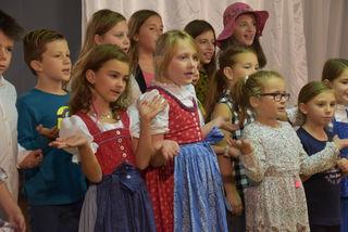 Der Ollersdorfer Kinderchor hatte kurzweilige Lieder im Repertoire.