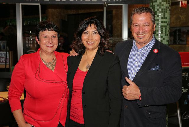 Das Innsbrucker Erfolgstrio: Irene Heisz, Selma Yildirim und Helmut Buchacher konnten mit einem personal- und zeitintensiven Häuserwahlkampf die relative Mehrheit erringen.