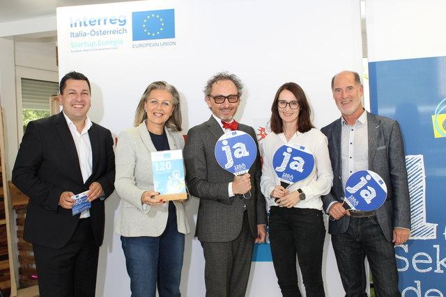 Markus Hofer (GF Standortagentur Tirol), LR Patrizia Zoller-Frischauf, Christoph Holz, Christina Scholochow, Hansjörg Gottstein