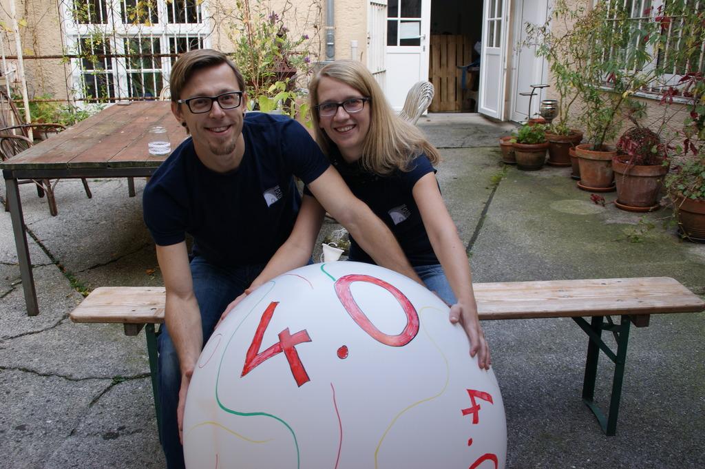 Manuela Wolf und Bastian Six von Streusalz feiern 40 Jahre Jugendzentrum Iglu