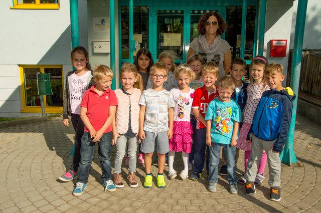 VS Königstetten, 1a: Bei Regina Floh haben sich heuer 14 Schüler bei ihr im Unterricht angemeldet. Als Schildkröten-Klasse sind sie alle gemeinsam in einem Tempo unterwegs.