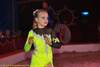 Fotos : (c) Circus & Entertainment Pics by Robert Rieger - Robert Rieger Photography