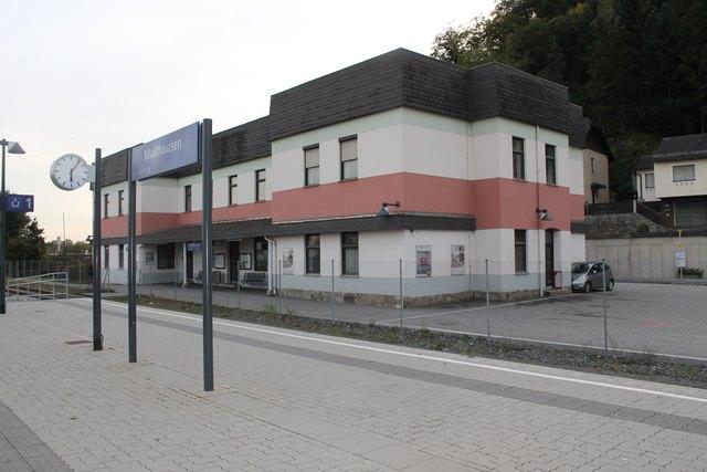 1980 erfolgte ein Umbau, das Hauptgebäude hat sich stark verändert. Auch Nebengebäude kamen bereits weg.