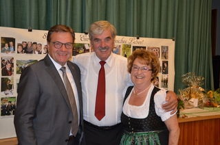 LH Günther Platter gratulierte Ehrenbürger und Jubilär Edi Ruetz (Mitte).