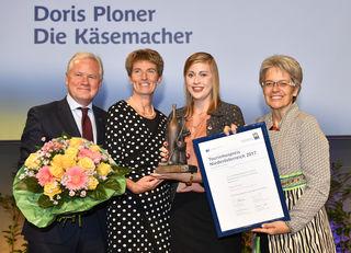 """NÖ-Tourismuspreis in der Kategorie """"Botschafterin"""" für Doris Ploner, Geschäftsführerin von Die Käsemacher."""