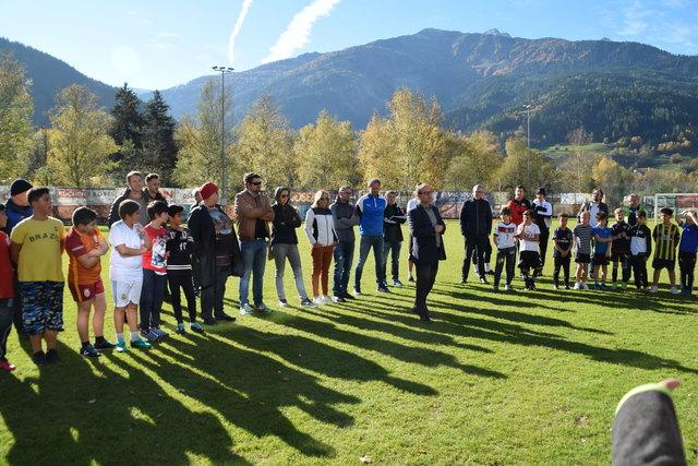 Zahlreiche Volksschüler interessieren sich für das sportliche Angebot der beiden Neuen Mittelschulen.
