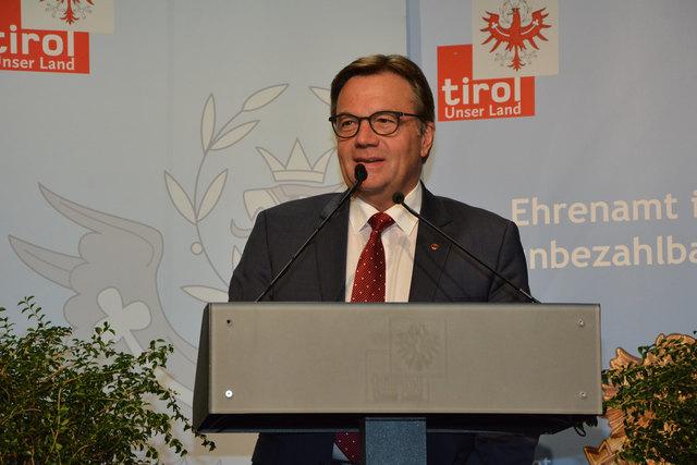"""LH Günther Platter unterstrich: """"Ohne ehrenamtliches Engagement hätten wir in Tirol nicht diese hohe Lebensqualität"""""""