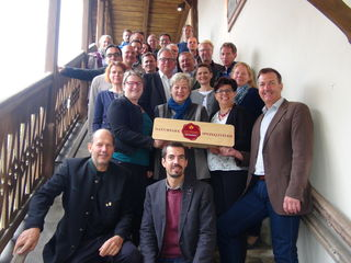 Gleich 17 Projekte für eine lokale Entwicklung im ländlichen Raum stellten Vorsitzender Bgm. Höflechner, LAbg. Helga Kügerl und LAbg. Bernadette Kerschler im Naturparkzentrum Grottenhof vor.