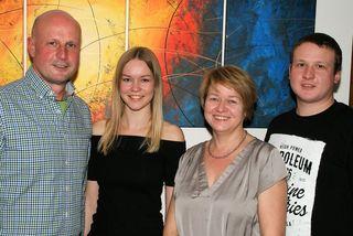 Intaktes Familienleben ist Reinhard Deutsch wichtig. (Von links:) Reinhard, Christina, Claudia und Martin.