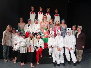 """Ein Abend für Kinder und Erwachsene bieten mit dem Musical """"Felicitas Kunterbunt"""" die kleinen und großen Akteure der Arnfelser Schlossspiele im Theater im Kino."""