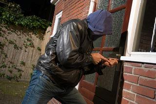 In der Nacht auf Freitag stiegen Einbrecher in eine Firma in Vitis ein.