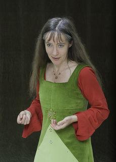 """Karin Tscholl """"Frau Wolle"""" wird einen Märchenabend für Erwachsene gestalten."""