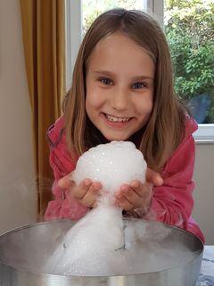 Elisa Hebenstreit, 8 Jahre alt, besucht ein Angebot der Talenteschmiede Mödling