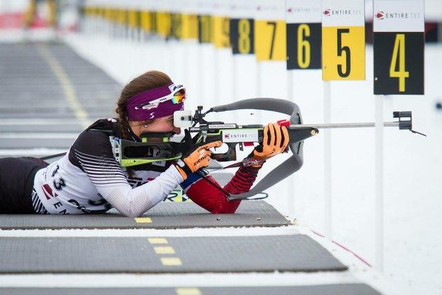Volle Konzentration am Schießstand: Die 23-jährige Dunja Zdouc zählt im Biathlon zu den besten Österreichs