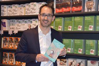 Markus Renk präsentiert das erfolgreiche Buchprojekt.